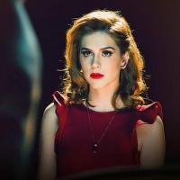 """Sophia Abrahão divulga clipe de """"Náufrago"""" após primeiro CD solo alcançar o topo do iTunes"""