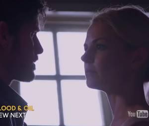 """Emma (Jennifer Morrison) tenta tirar a Excalibur da pedra no terceiro episódio de """"Once Upon a Time"""""""