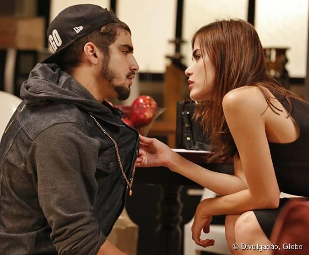 """Em """"I Love Paraisópolis"""": Grego (Caio Castro) se declara para Margot (Maria Casadevall)!"""