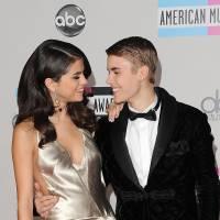 "Justin Bieber e Selena Gomez juntos? Vaza a música ""Strong"", suposta parceria musical dos astros!"