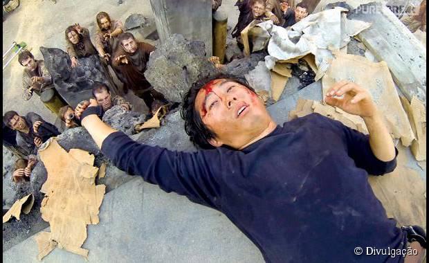 """Em """"The Walking Dead"""", produtor dá pistas sobre o que pode acontecer com Glenn (Steven Yeun)!"""