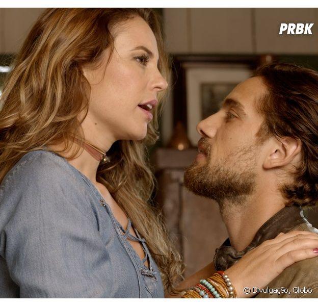 """Em """"Além do Tempo"""", Felipe (Rafael Cardoso) se declara a Melissa (Paolla Oliveira) e Lívia (Alinne Moraes) vê tudo!"""