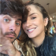 """Claudia Leitte, do """"The Voice Brasil"""", revela que seu marido foi o que mais curtiu o corte com franja"""