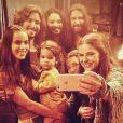 """De """"Os Dez Mandamentos"""", atores fazem pausa para aquela selfie esperta!"""