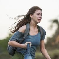 """Novela """"Totalmente Demais"""": Eliza (Marina Ruy Barbosa) é agarrada por Jacaré e salva por Jonatas!"""