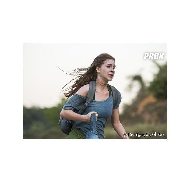 """Em """"Totalmente Demais"""", Eliza (Marina Ruy Barbosa) é defendida por Jonatas (Felipe Simas) após ser agarrada por Jacaré (Sérgio Malheiros)"""