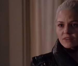 """Em """"Once Upon a Time"""": Emma (Jennifer Morrison) luta com Hook (Colin O'Donoghue) para salvar sua família!"""
