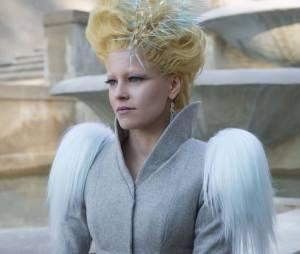 """Elizabeth Banks comenta cena inesperada de Effie Trinket em """"Jogos Vorazes: A Esperança - O Final"""""""