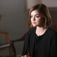 """Em """"Pretty Little Liars"""": na 6ª temporada, Aria suspeita, Hanna noiva e mais novidades do retorno!"""