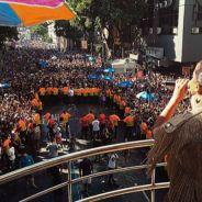 Anitta, com o Bloco das Poderosas, arrasta multidão pelas ruas do Rio de Janeiro. Confira!