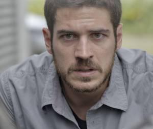 """Em """"A Regra do Jogo"""", Dante (Marco Pigossi) diz que não vai prender Tóia (Vanessa Giácomo) após moça revelar que pode ter matado Romero (Alexandre Nero)"""