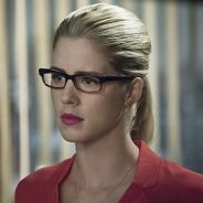"""Em """"Arrow"""": na 4ª temporada, Emily Bett Rickards adianta detalhes sobre Oliver e Felicity!"""