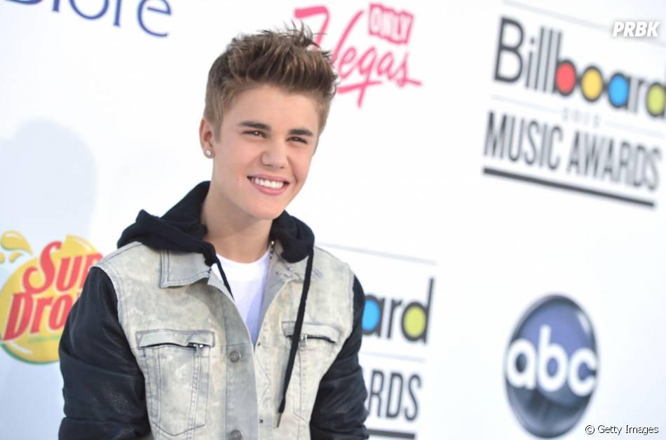 Justin Bieber ficou super casual no Billboard Music Awards de 2012