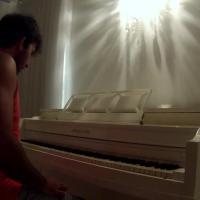 """""""Beijinho no ombro"""" de Valesca Popozuda ganha versão ao piano"""