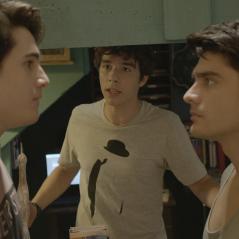 """Novela """"Malhação"""": Rodrigo (Nicolas Prattes) e Tito (Guilherme Leicam) brigam por causa de Luciana!"""