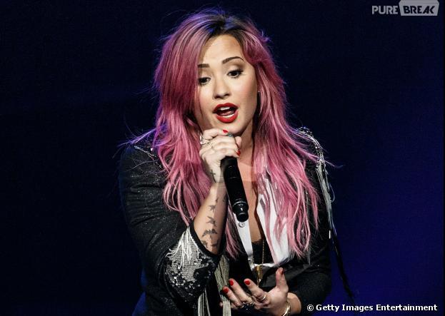 "Demi Lovato fez seu primeiro show da ""The Neon Lights Tour"""