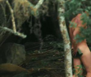 """Klebber Toledo, de """"Êta Mundo Bom!"""", revela que usou tapa-sexo para cenas em que tomou banho pelado no rio!"""