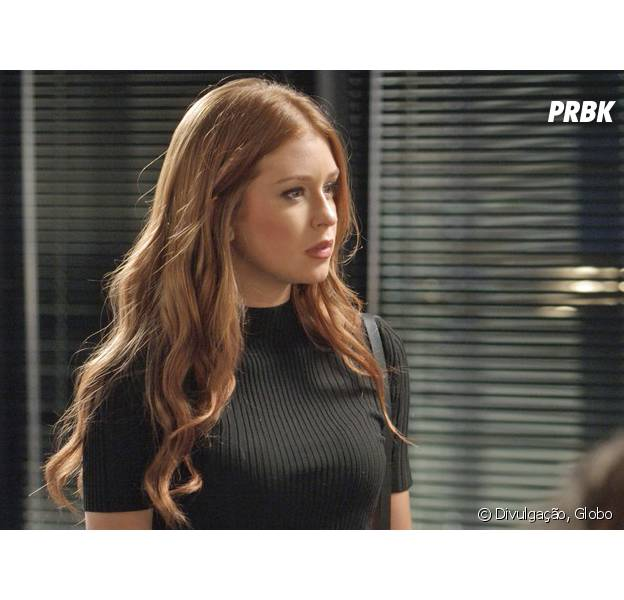 """Em """"Totalmente Demais"""", Eliza (Marina Ruy Barbosa) discute com Leila (Carla Salle) após descobrir término da jornalista com Jonatas (Felipe Simas)"""
