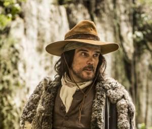"""Na novela """"Liberdade, Liberdade"""", Dalton Vigh é destaque na pele de Raposo"""
