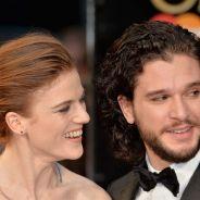 """Kit Harington, o Jon Snow de """"Game of Thrones"""", assume namoro com atriz da série!"""