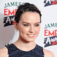 """De """"Star Wars VIII"""": Daisy Ridley compara sequência ao sucesso """"Star Wars VII: O Despertar da Força"""""""