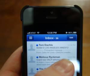 A caixa de entrada de alguns iPhones, da Apple, têm recebido emails de 1970! OMG!