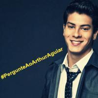 """#Pergunte ao Arthur Aguiar! Ator de """"Em Família"""" irá responder perguntas dos fãs"""