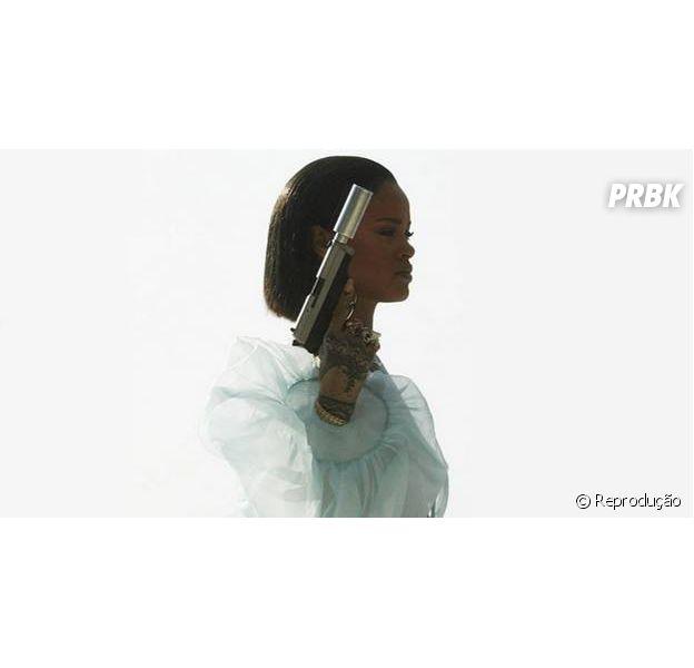 """Rihanna no clipe de """"Needed Me"""""""
