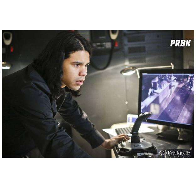 """Em """"The Flash"""": Cisco (Carlos Vandés) está aperfeiçoando seus poderes e luta contra Ruptura!"""