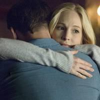 """Em """"The Vampire Diaries"""": na 7ª temporada, Caroline manda mensagem para Klaus e deixa dúvida!"""