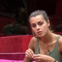 """No """"BBB14"""": Angela diz que Aline dará mole para Diego: """"Ela é desesperada!"""""""