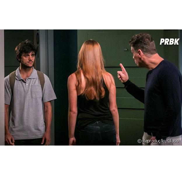 """Em """"Totalmente Demais"""", depois de Arthur (Fábio Assunção) tentar se aproximar de Eliza (Marina Ruy Barbosa), Jonatas (Felipe Simas) termina namoro com a ruiva!"""