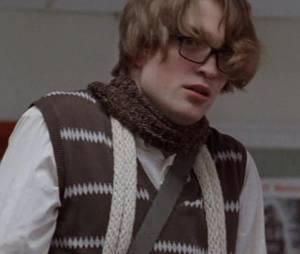 "Robert Pattinson surgiu bem diferente na dramédia ""The Bad Mother's Handbook"", de 2007"