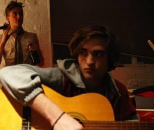 """Em 2008, Robert Pattinson esteve no longa """"Uma Vida Sem Regras"""""""