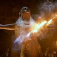 """De """"Game of Thrones"""": Emilia Clarke, a Daenerys, revela em entrevista: """"É tudo meu, toda orgulhosa e forte. Estou me sentindo realmente feliz por ter dito 'sim'. Aquilo não é um dublê de corpo"""""""