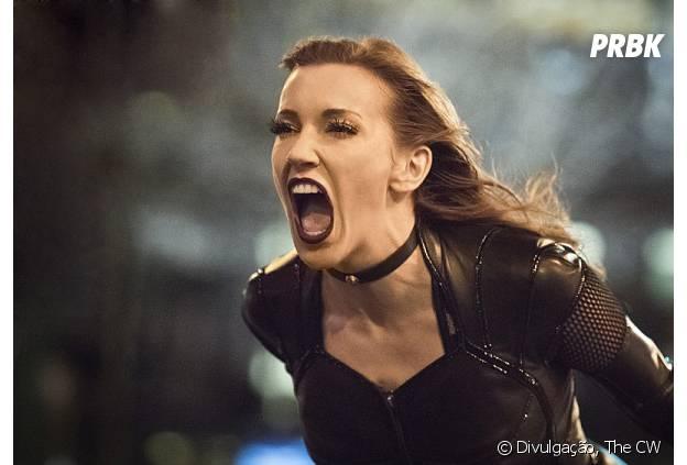 """Em """"The Flash"""", Sirene (Katie Cassidy) aparece e causa muitos problemas"""