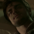 "Final ""Totalmente Demais"": Jonatas (Felipe Simas) é esfaqueado na tentativa de salvar Eliza (Marina Ruy Barbosa)"