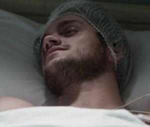 """Em """"Totalmente Demais"""", Jonatas (Felipe Simas) se emociona ao descobrir que Eliza (Marina Ruy Barbosa) o salvou"""