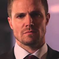 """De """"Arrow"""": na 5ª temporada, Stephen Amell, o Oliver, fala das críticas negativas nas redes sociais"""