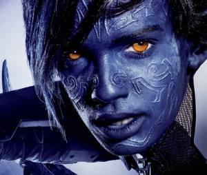 """Noturno (Kodi Smit-McPhee), de """"X-Men: Apocalipse: supersticioso, acredita em astrologia, tá sempre de vela"""