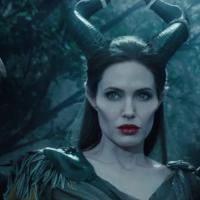 """Angelina Jolie ganha asas monstruosas no filme """"Malévola"""""""