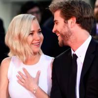 """Jennifer Lawrence é zoada por Liam Hemsworth: """"Você nunca sabe o que vai sair da boca dela"""""""