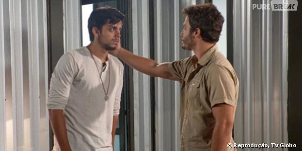 """William (Thiago Rodrigues) descobre que Marlon (Rodrigo Simas) foi para na máquina da felicidade em """"Além do Horizonte"""""""