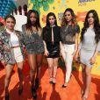 As integrante sdo Fifth Harmony posam juntas noKids' Choice Awards 2015