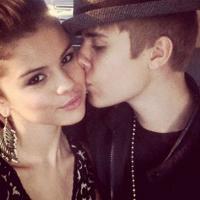 Justin Bieber e Selena Gomez trocam mensagens quentes na internet