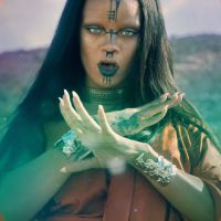 "Rihanna mostra bastidores do clipe ""Sledgehammer"" em novo vídeo no Youtube!"