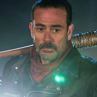 "De ""The Walking Dead"": na 7ª temporada, Negan (Jeffrey Dean Morgan) aparece em primeira foto oficial"