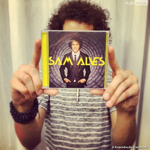 Sam Alves lança álbum homônimo no topo do iTunes