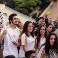 Luan Santana entrou para a lista de famosos que levaram a tocha das Olimpíadas 2016