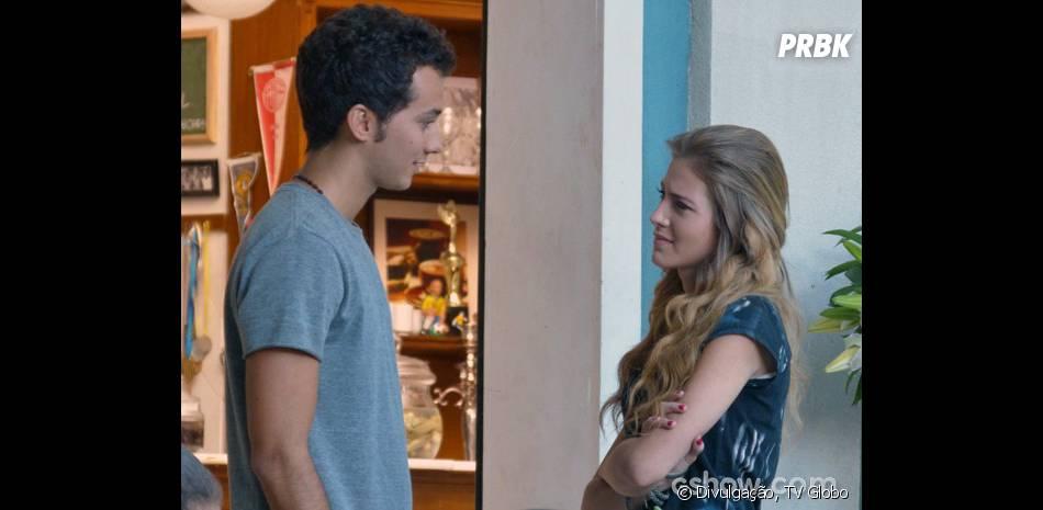 """Sofia (Hanna Romanazzi) está namorando com Ben (Gabriel Falcão) em """"Malhação"""""""